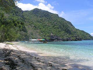Tauchboote der Tauchbasis Sangat Island – Coron Bay, Philippinen