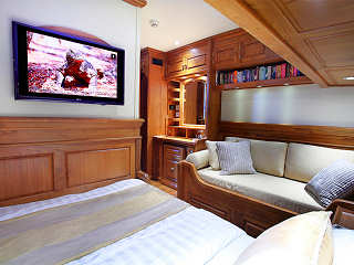 Master-Suite mit Queen-Size-Bett