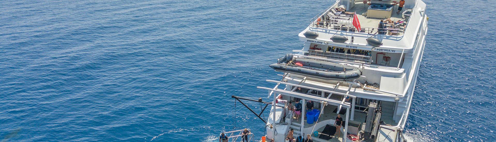 Nautilus Belle Amie – Käfigtauchen mit weißen Haien, Guadalupe