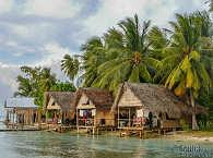 Wasserbungalows im Tetamanu Village – Franz. Polynesien