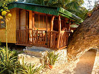 Bambus-Cottage mit Veranda