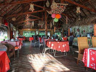 Restaurant im Tikehau Village – Tuamotu Archipel